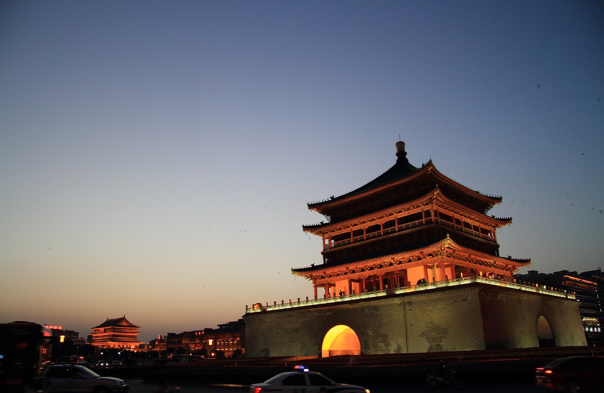 The bell tower of Xi'an 西安钟楼