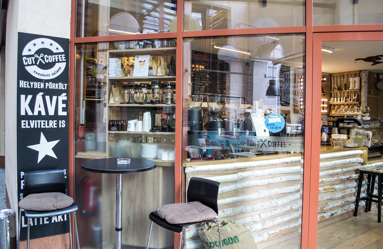 Cut and Coffee Debrecen