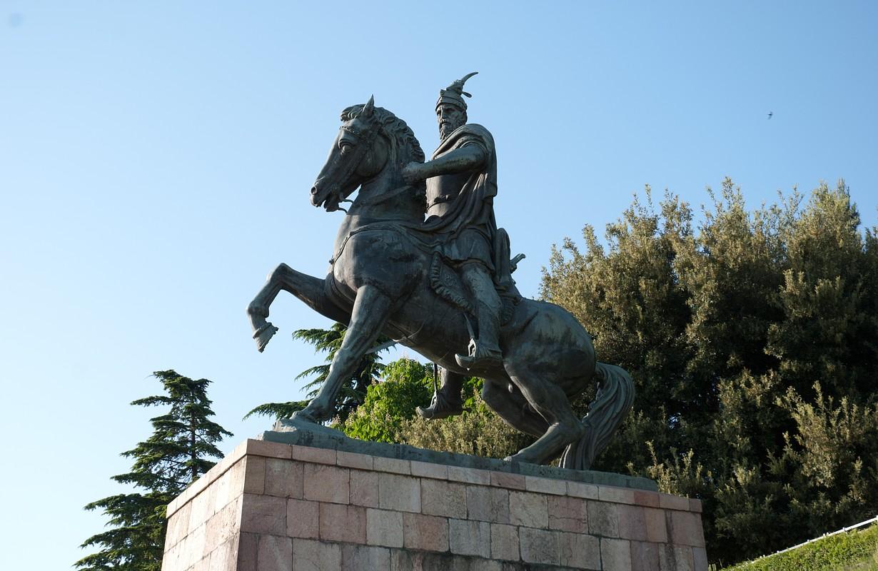 Skanderbeg on horseback