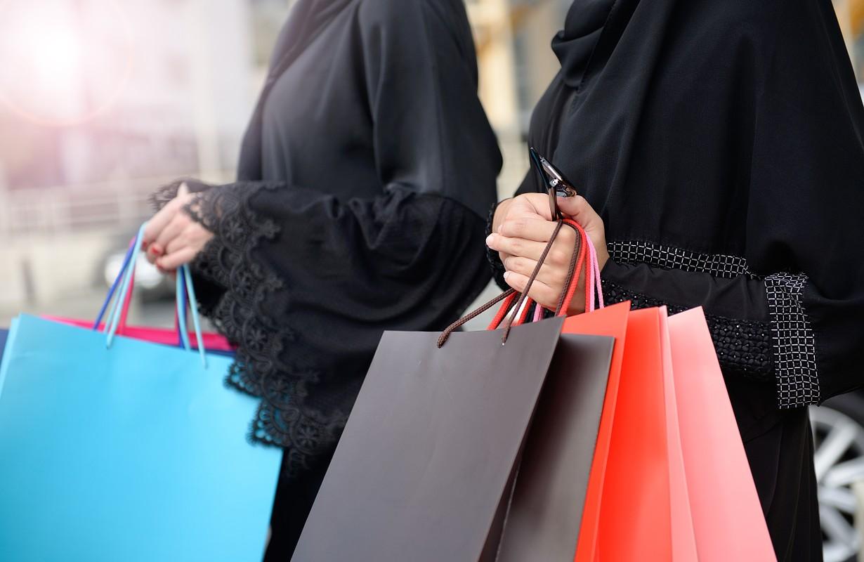 Arab women shopping
