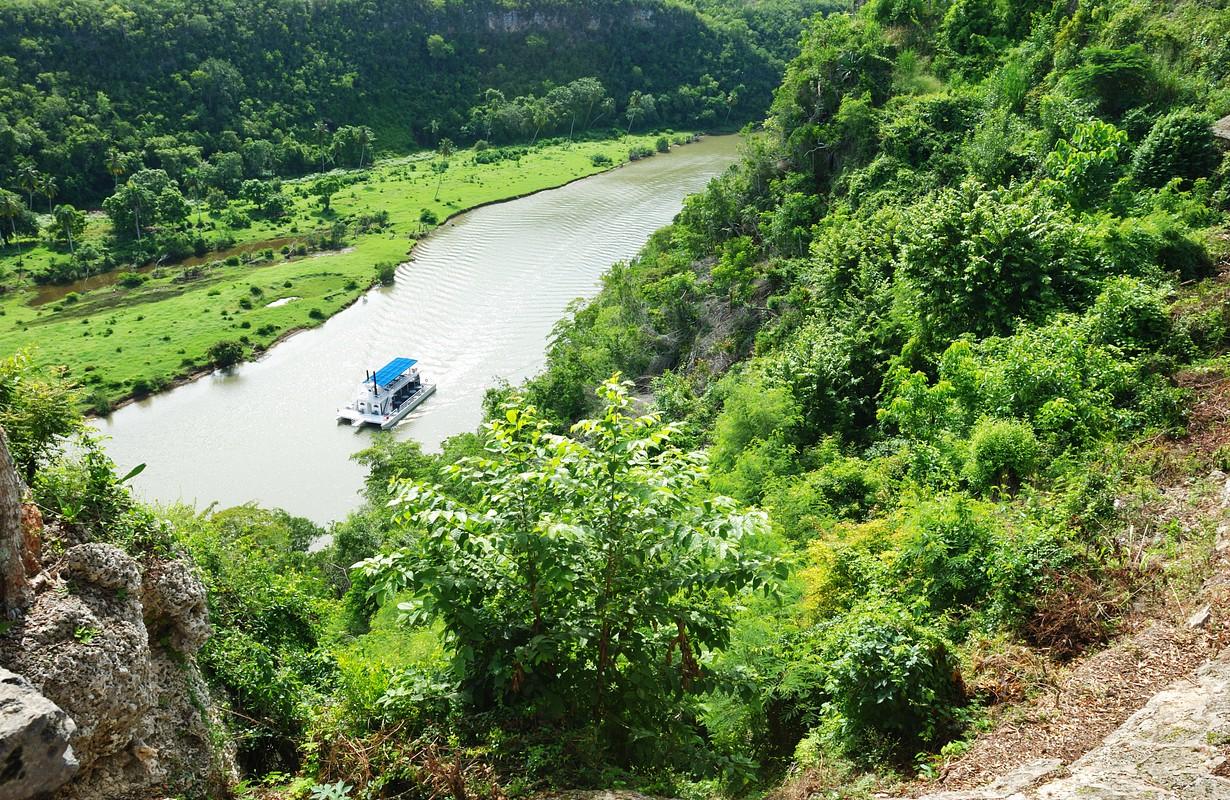 Rio Chavon valley