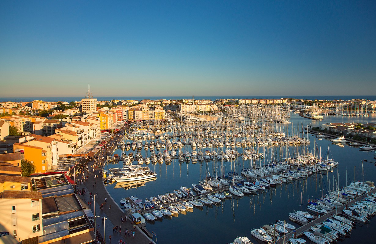 Cap d'Agde, port and wharves