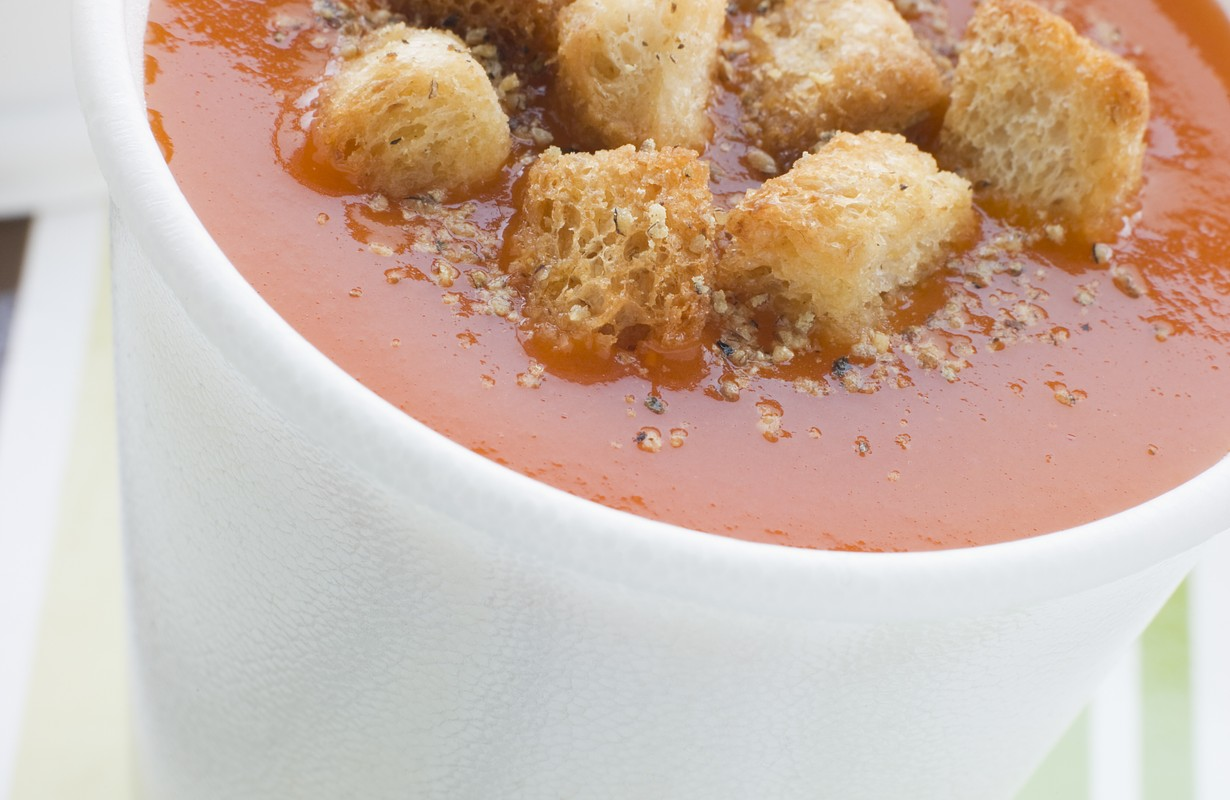 tomato soup in cup