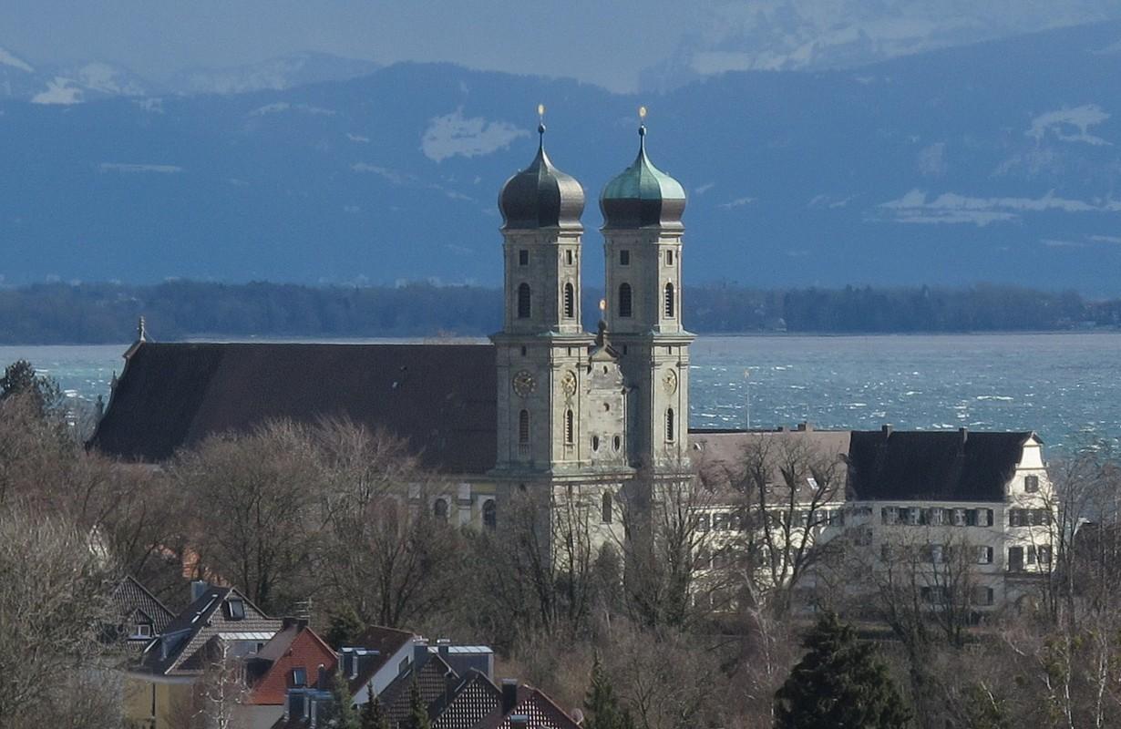Castle church and castle itself known as convent Hofen