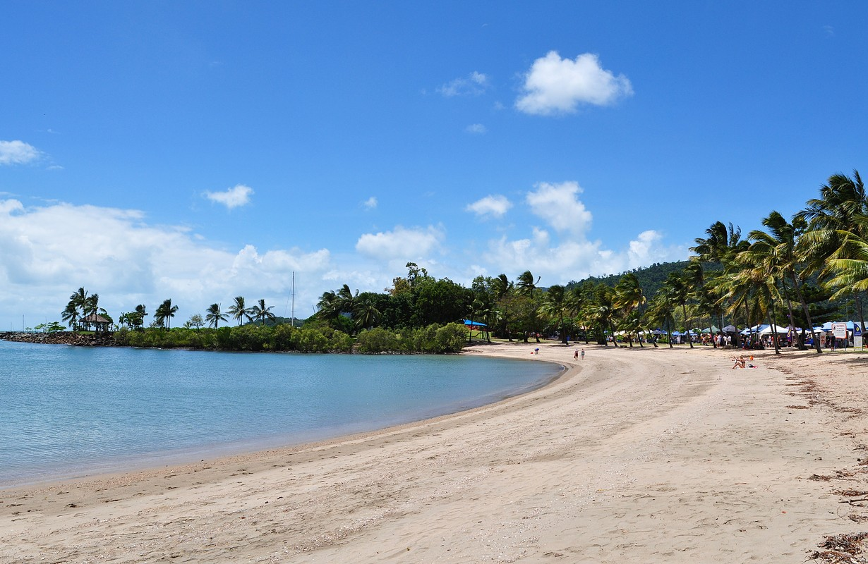 The beauty of Whitsunday coast: Airlie beach.