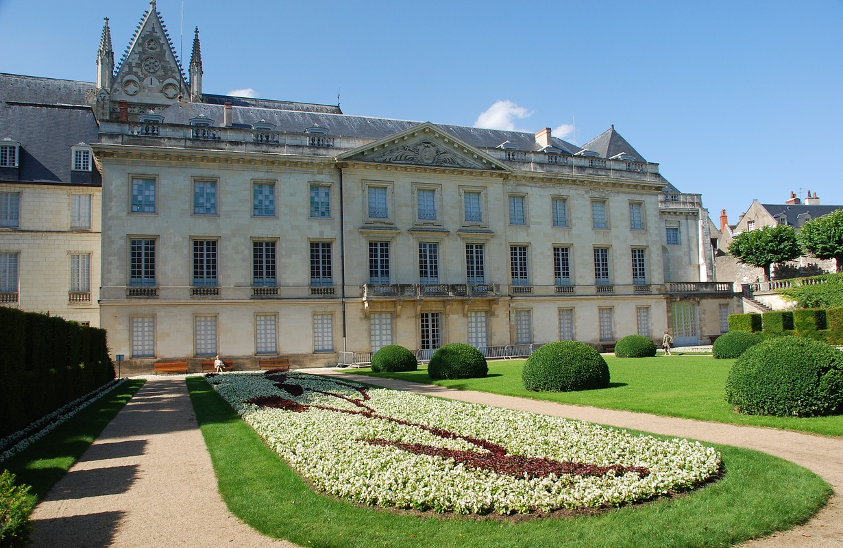 Garden at Musee des Beaux Arts in Tours, France