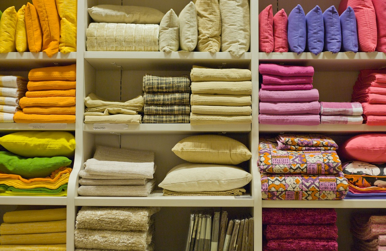 Pillows, towels, blankets and other home wear items - Houston, Texas