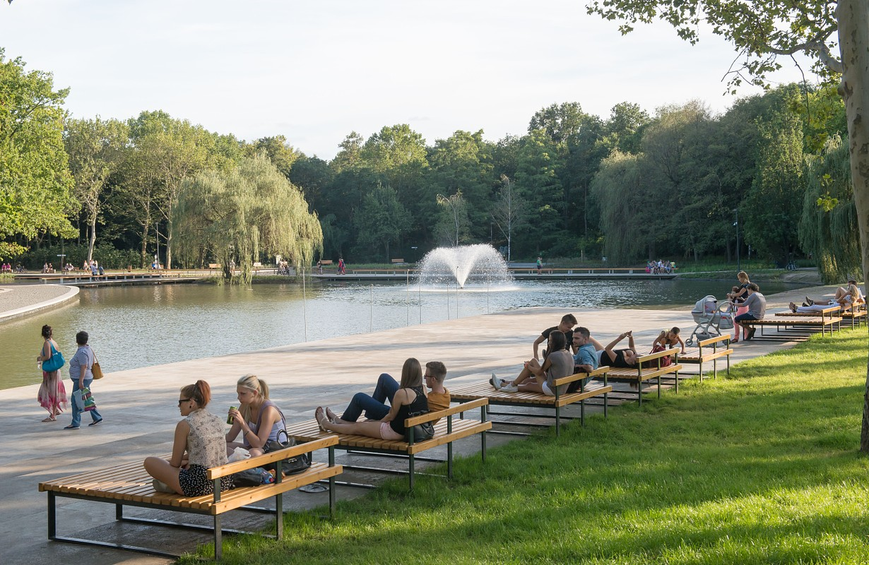 Nagyerdei Park & Frog Pond