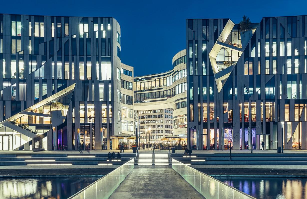Kö-Bogen shopping center