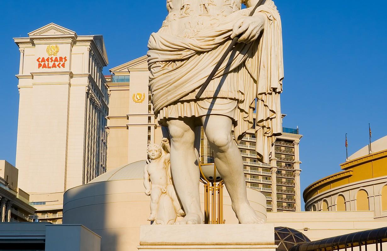 Caesar Sculpture Hotel