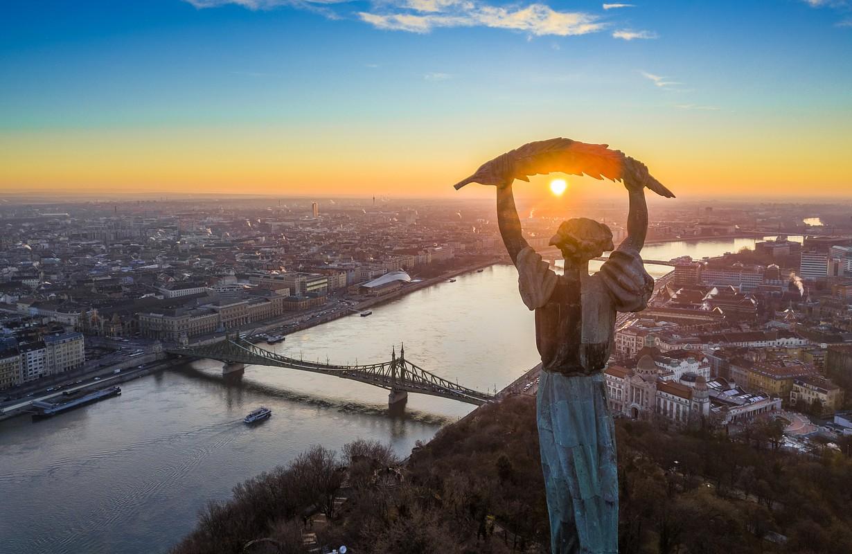 liberty statue of budapest in gellért hill