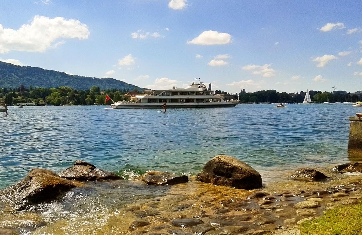 Cruise vessel at Lake Zurich (Zurichsee)