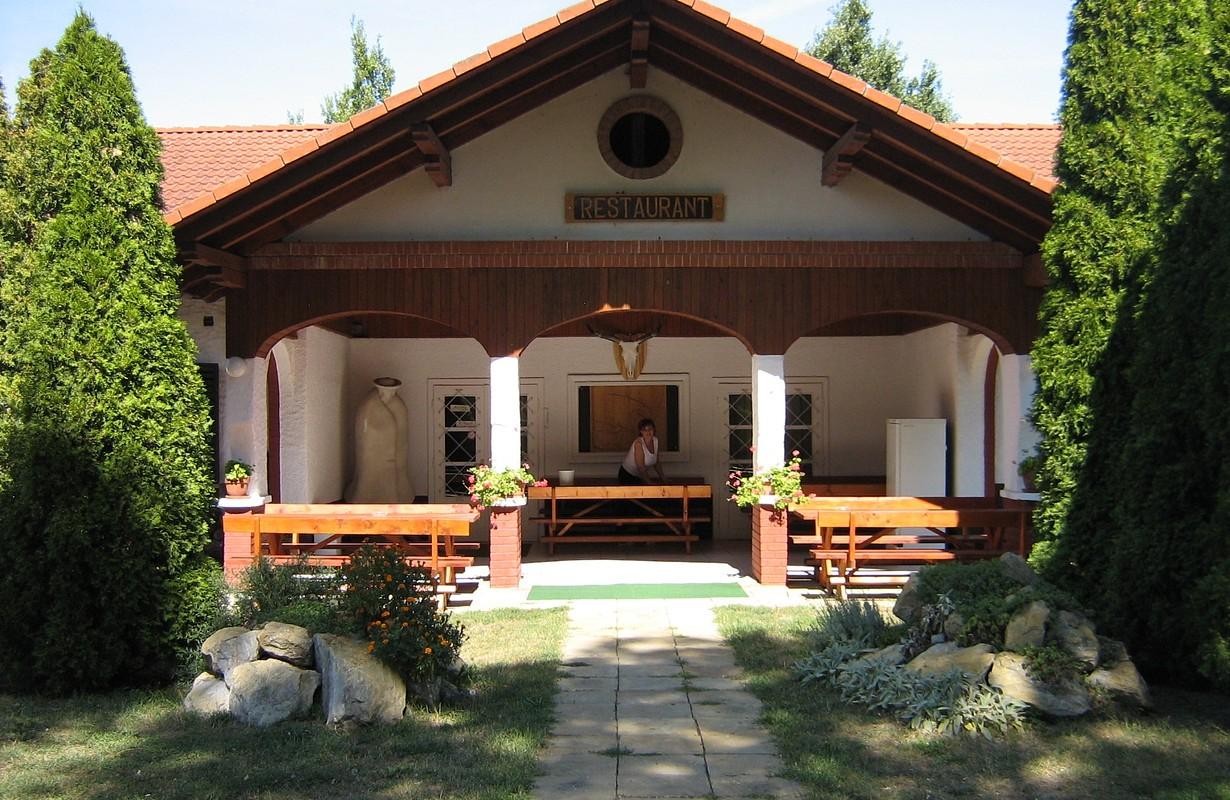 Ökotúra Guest House and Campground