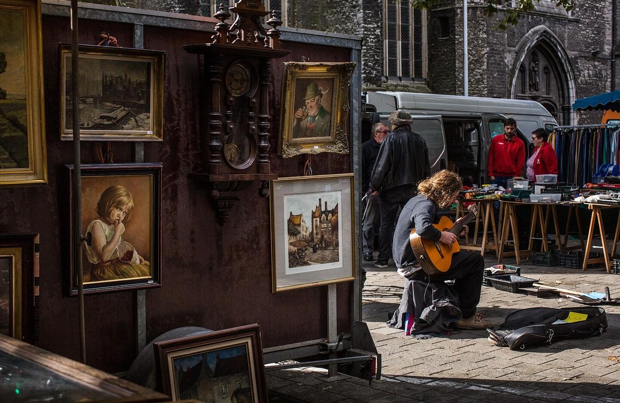 Flea market at Bij Sint-Jacobs