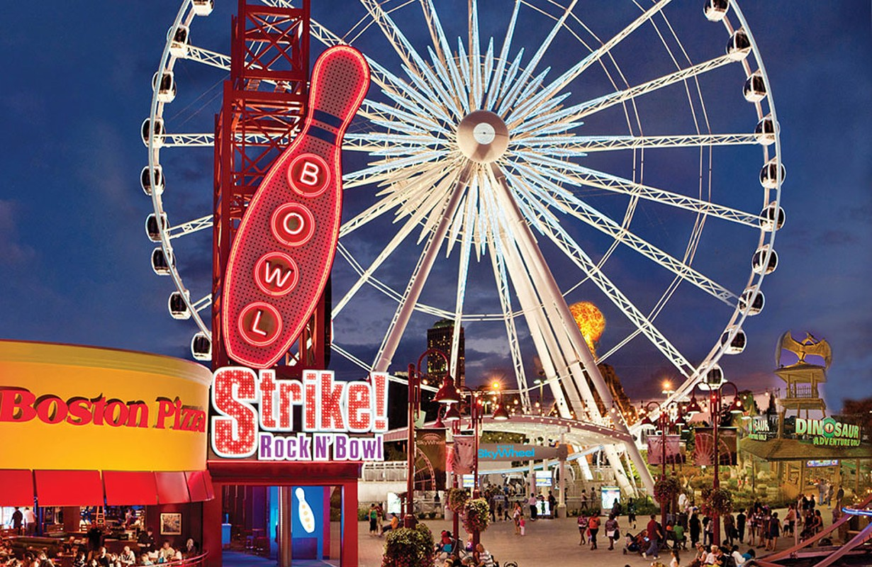 Clifton Hill SkyWheel at Night