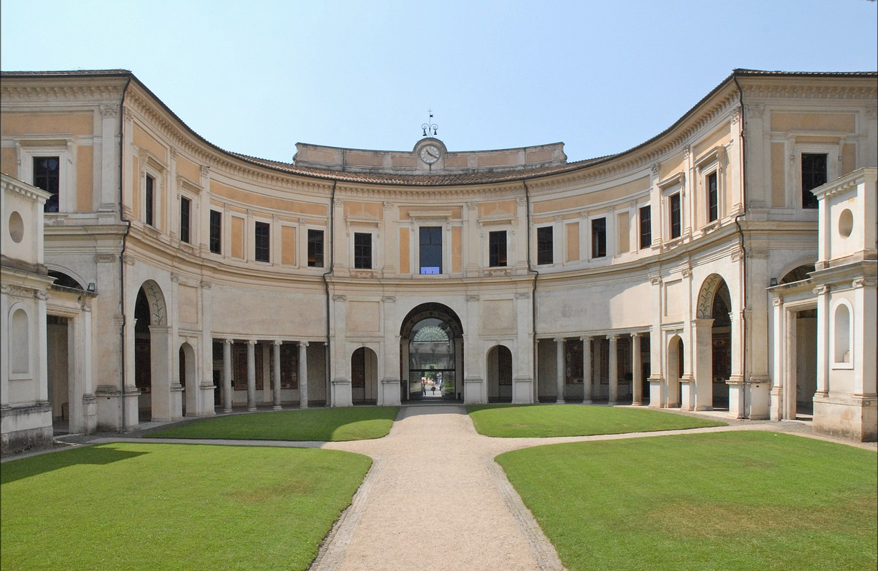 La cour d'entrée de la Villa Giulia (Rome)