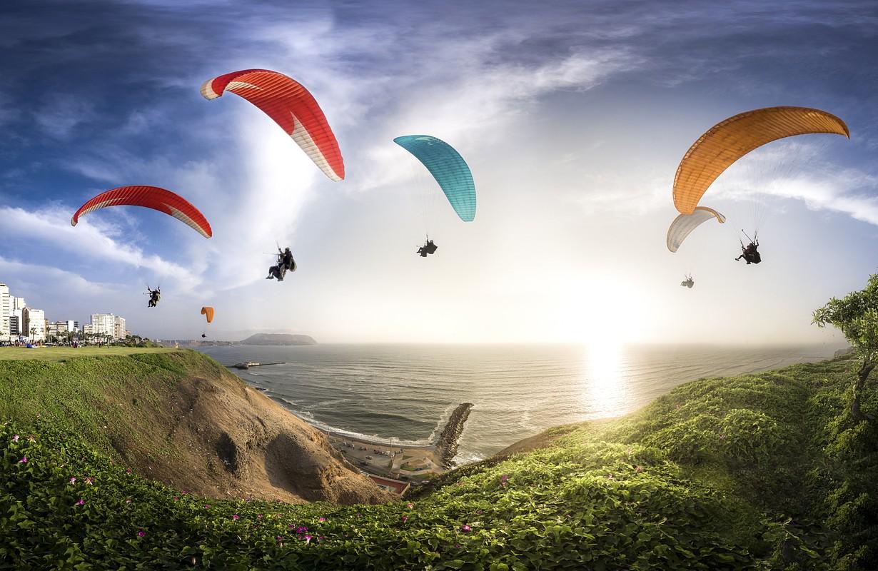Paragliding in Miraflores - Lima, Peru