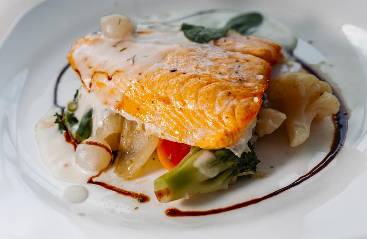 ooked salmon / salmon dish / salmon / - Image