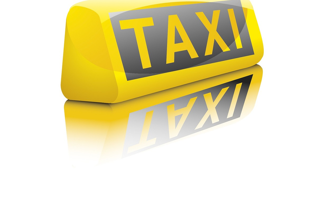 Taxi, Uber or Lyft?