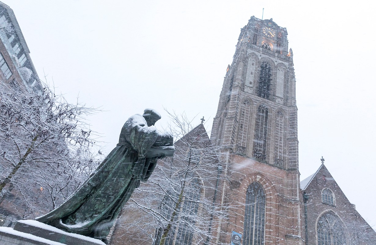 Laurenskerk in the snow