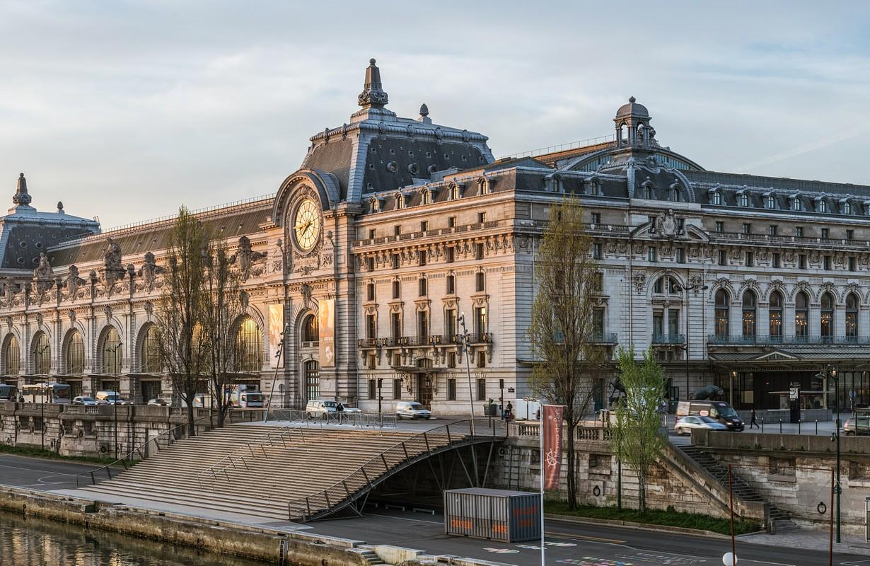 The Musée d'Orsay as seen from the Passerelle Léopold-Sédar-Senghor