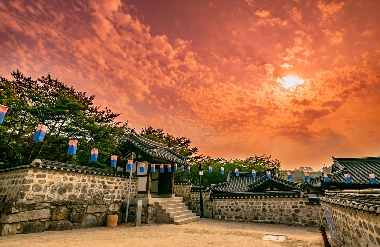 Sunset at Namsangol Traditional Korean Village