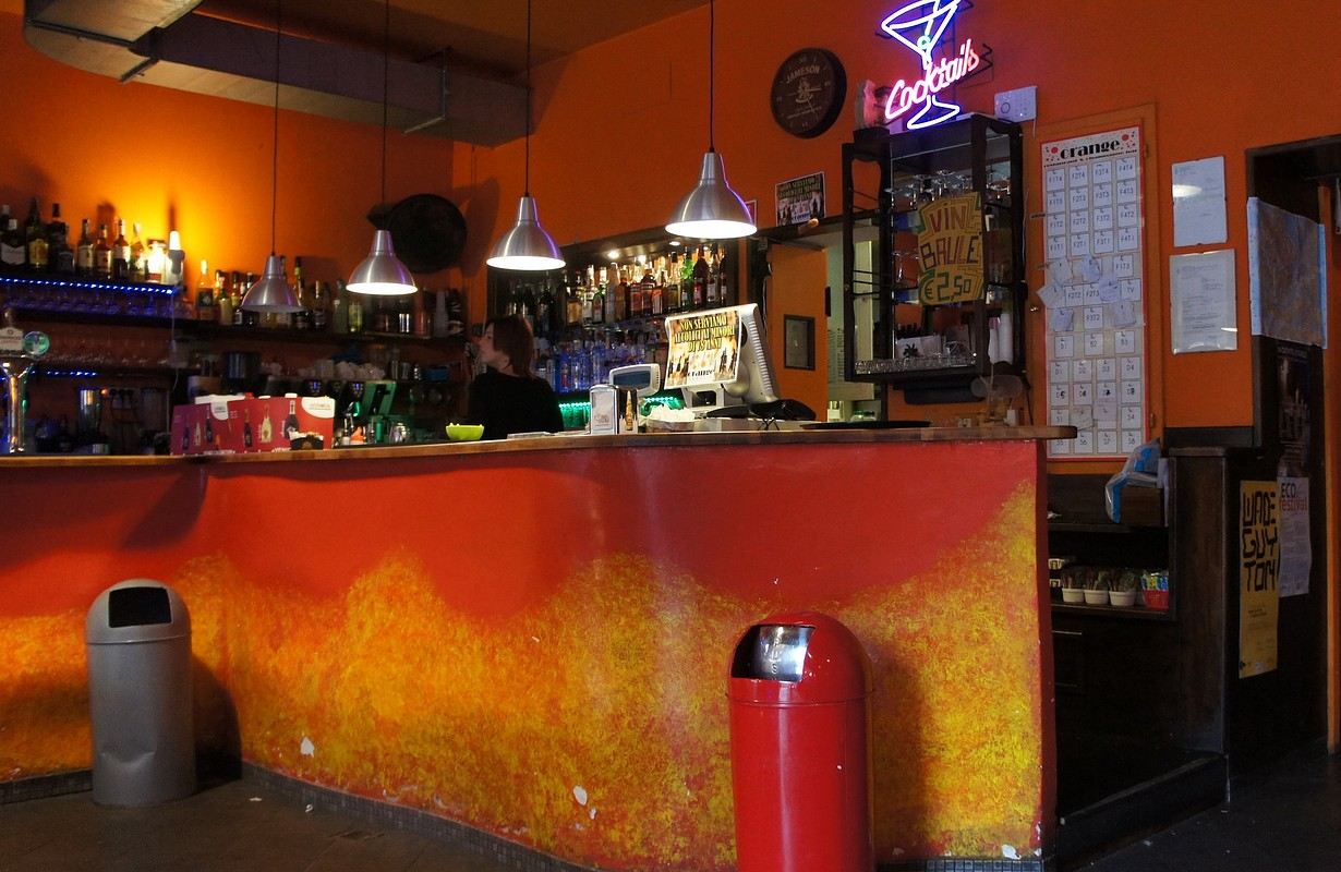 Venice bar