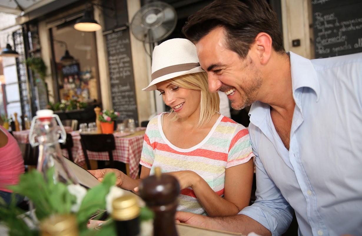 Couple at an Italian restaurant - Florida