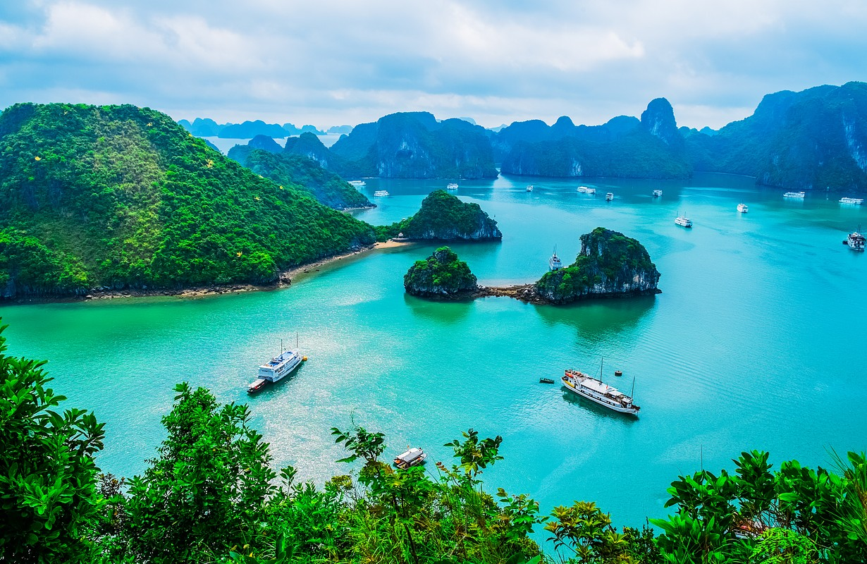 Scenic view of islands in Halong Bay, Vietnam, Southeast Asia