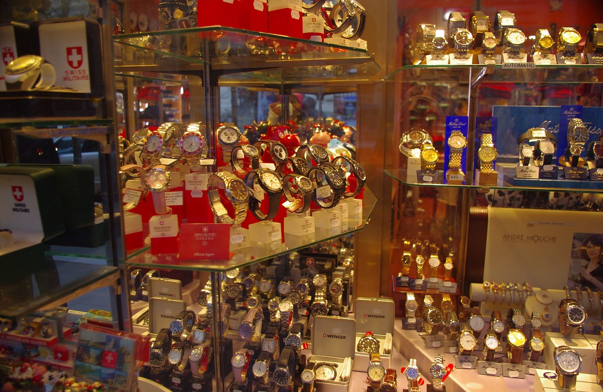 Watches & clocks - Geneve, Swiss