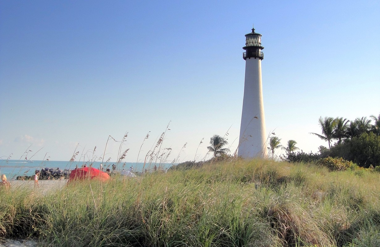 Beach and lighthouse at Bill Baggs Cape Florida State Park