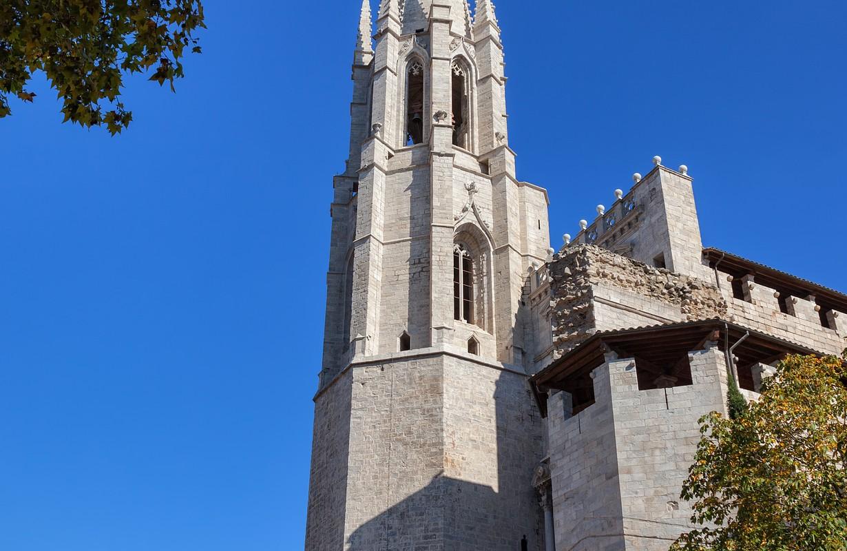 Basilica of Sant Feliu (Iglesia de San Felix) in Girona, Catalonia, Spain