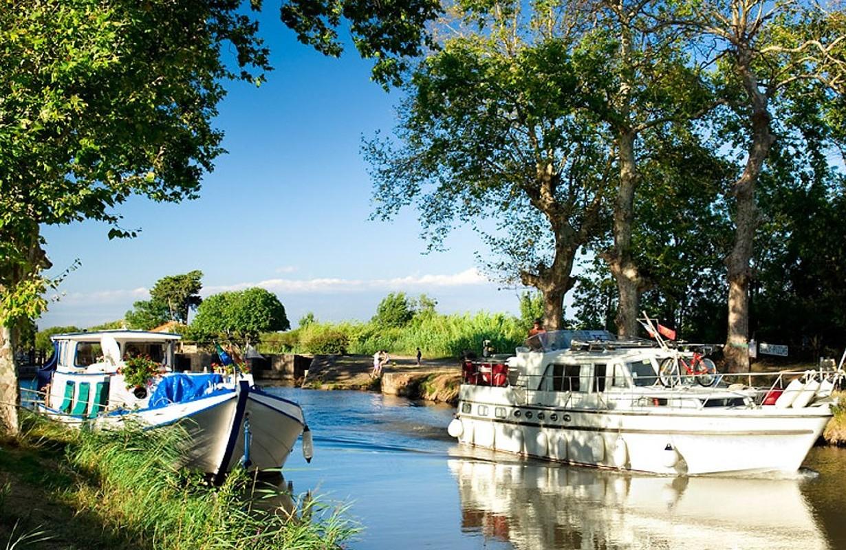 Le Cap d'Agde : The Canal du Midi
