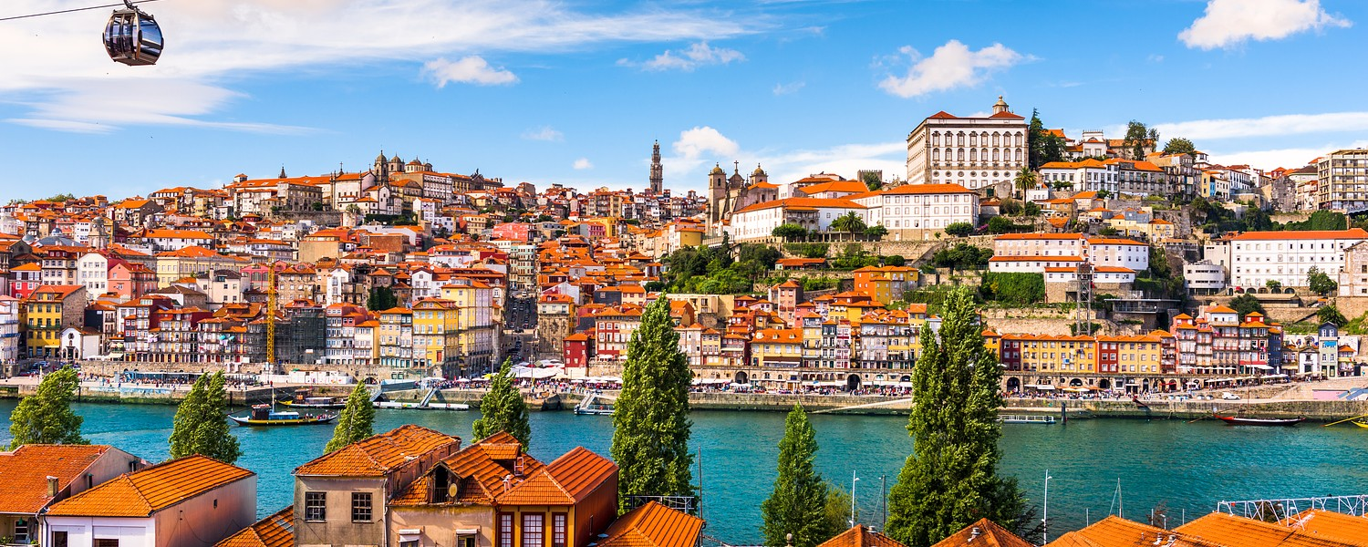 Porto's city centre and the old town separated by the Douro river