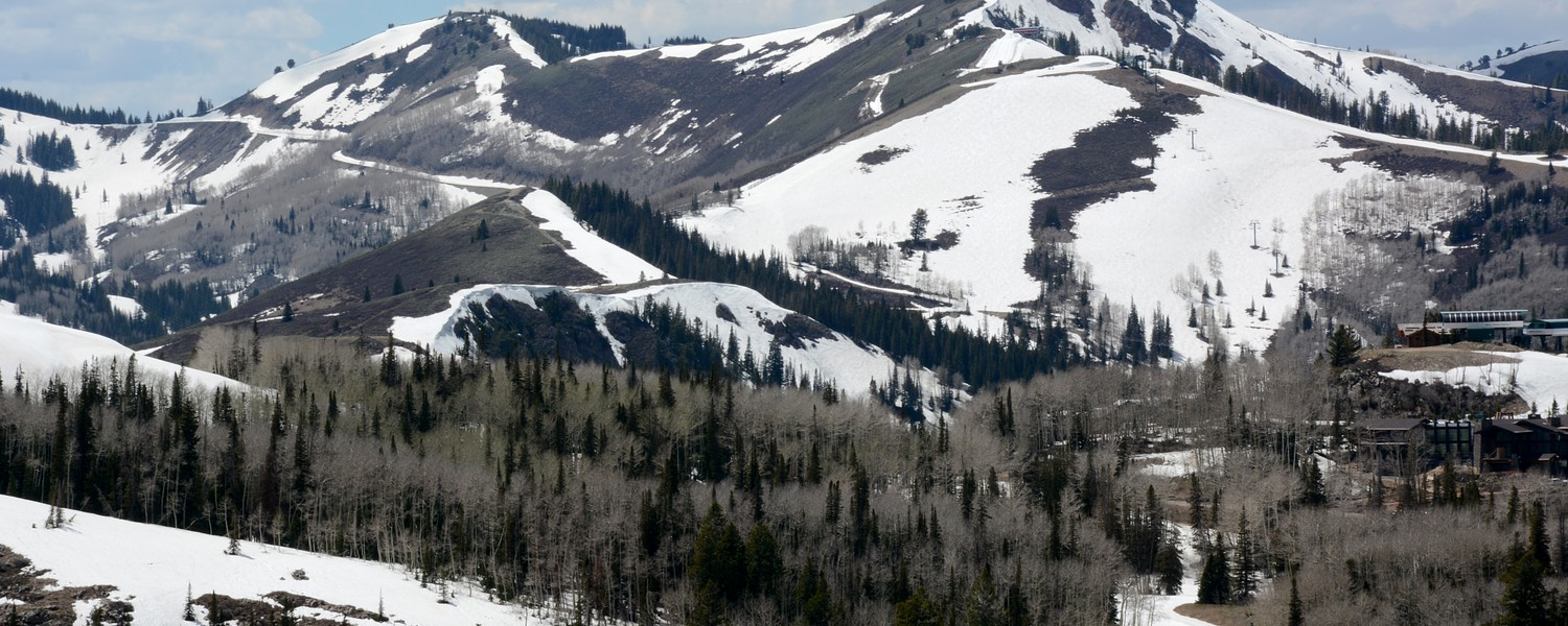 Park city, Utah mountains with snowy tops