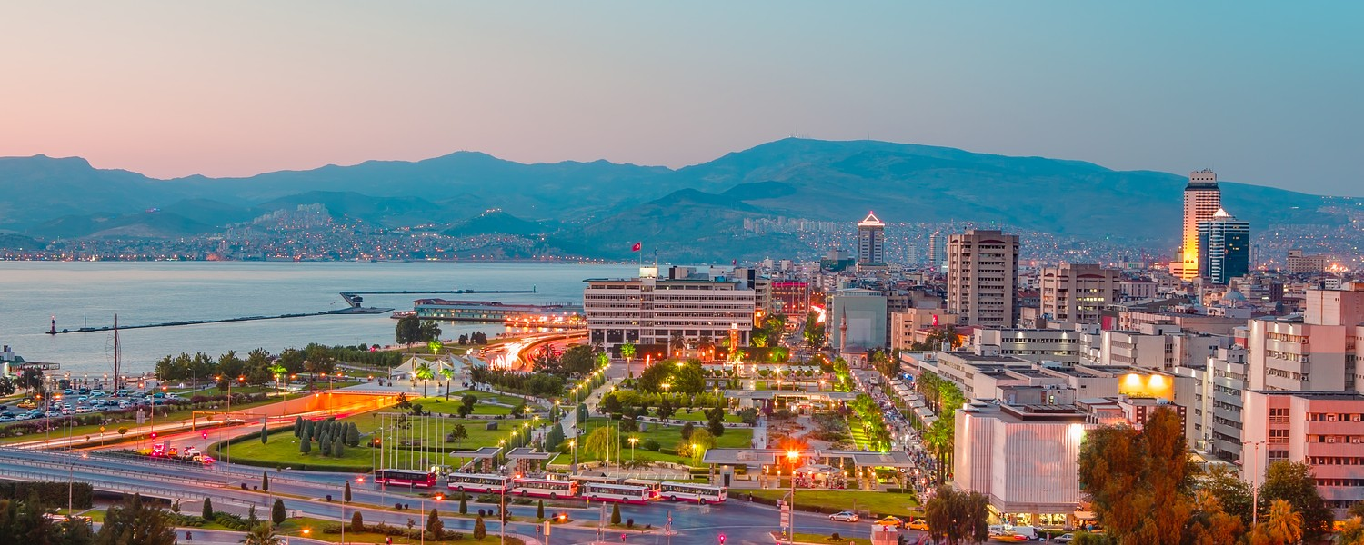 Izmir at dusk, view from Varyant