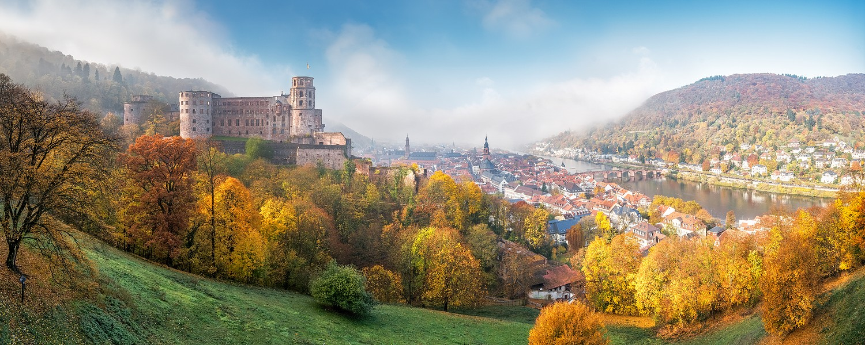 Altstadt- und Schlossblick im Herbst