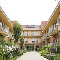 Royal Club Hotel****