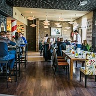 Macok Bistro & Bar winny