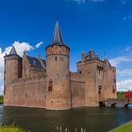 Châteaux et Lacs