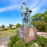 The Emigrants Monument