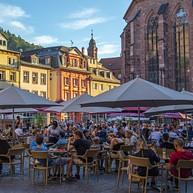 Plaza del mercado, con la iglesia del Espíritu Santo