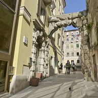 Old Gateway or Roman Arch