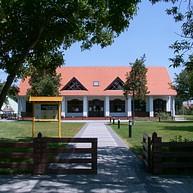 Das Hortobágy-Nationalpark Besucherzentrum und der Handarbeitshof von Hortobágy