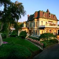 マドロナ・マナー・ワインカントリーイン / Madrona Manor Wine Country Inn