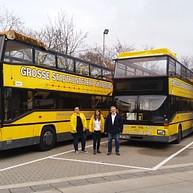 Visites en bus jaunes à deux étages