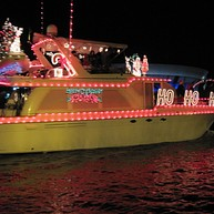 Holiday Tree Lighting Ceremony & Lighted Boat Parade (December)