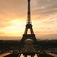 埃菲尔塔 (La Tour Eiffel)