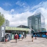 Boutique de souvenirs et office du tourisme dans la gare principale