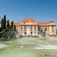 Debreceni Egyetem főépülete